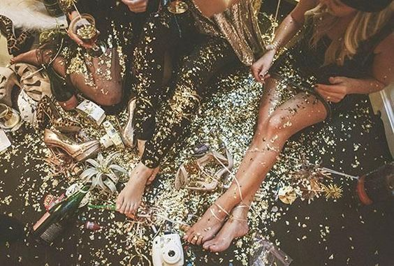 girls on the floor party with glitter