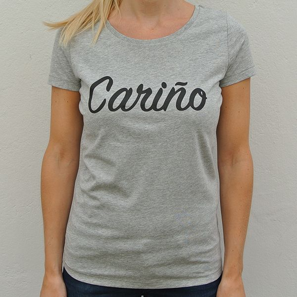 Grey organic shirt Cariño model front